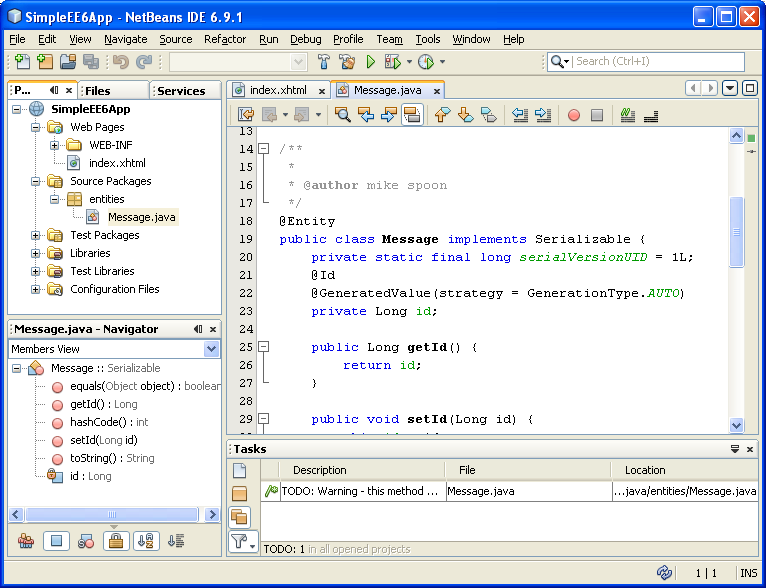 NetBeans IDE: selecting the Java web application project, the generated persistence entity class file templates